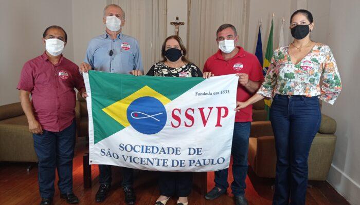 Em Limoeiro, prefeitura e entidades  sociais realizam campanha para ajudar  famílias carentes
