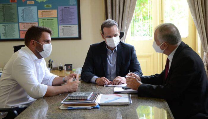 Orlando Jorge visita Casa Civil para viabilizar importantes obras para Limoeiro