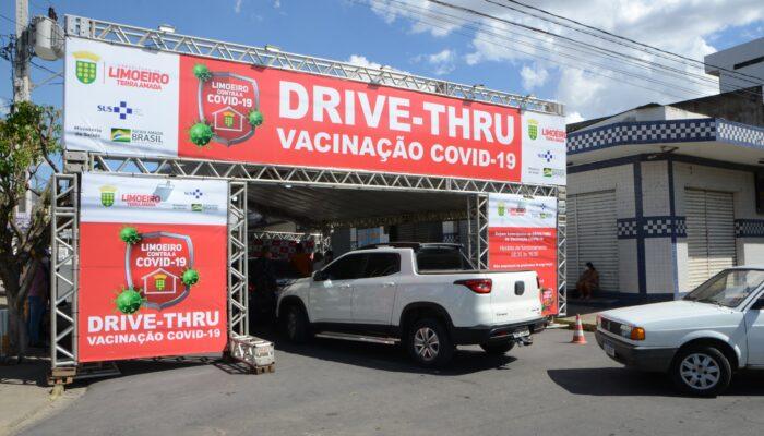 Drive-Thru funcionará nesse domingo, dia 11, apenas para 2ª dose da vacina contra Covid-19